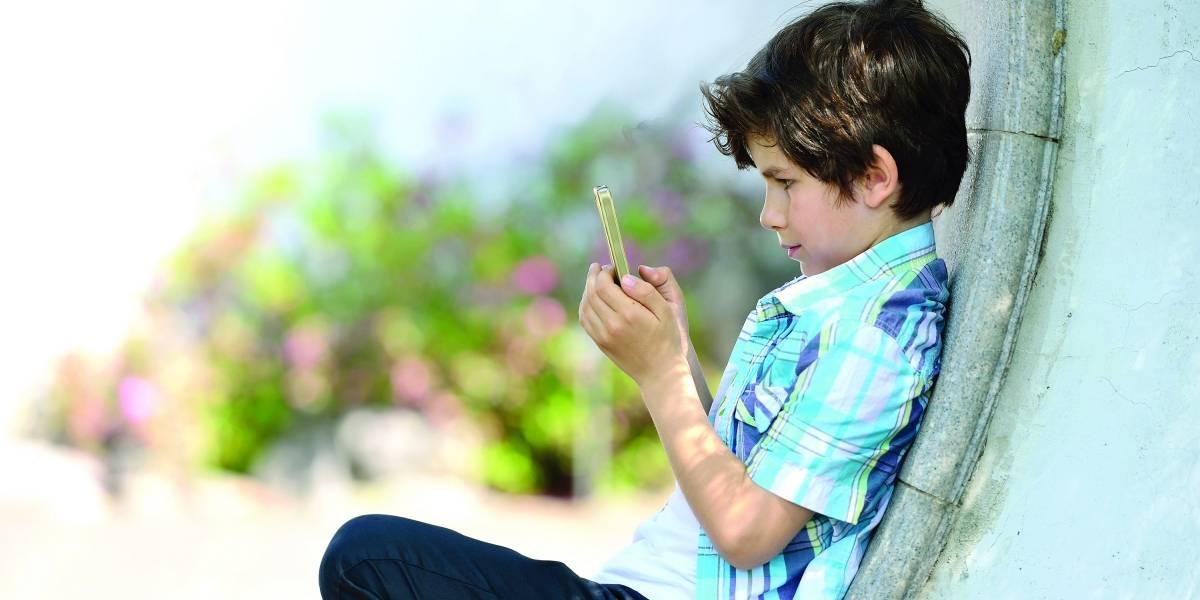 Crianças do ABC são as que passam mais tempo no celular