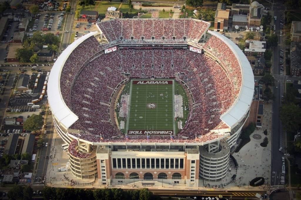 Ubicación: Austin, Texas, EU Capacidad: 100,100 Equipo: Texans Longhorns Football Cortesía