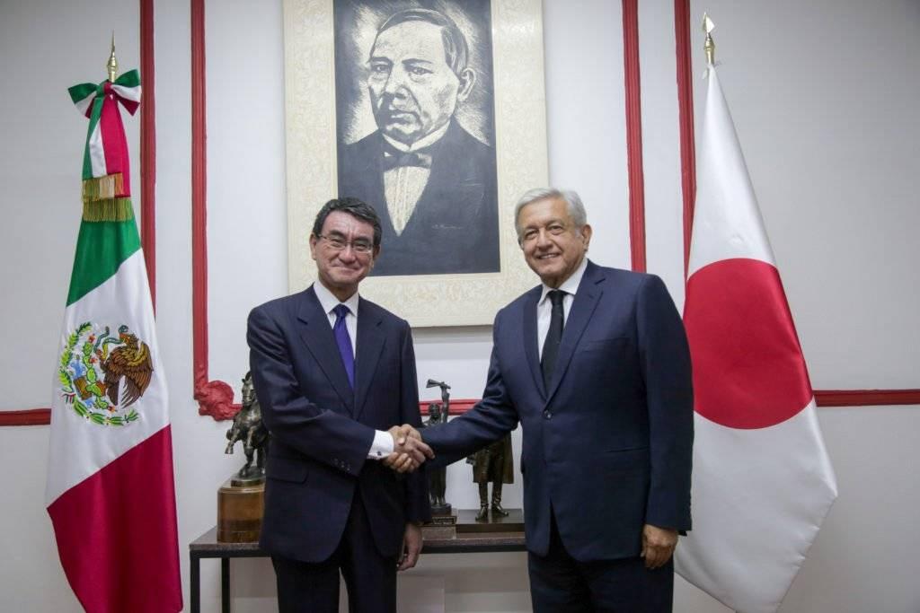 Con Tarō Kōno, ministro de Relaciones Exteriores de Japón Foto: Cuartoscuro