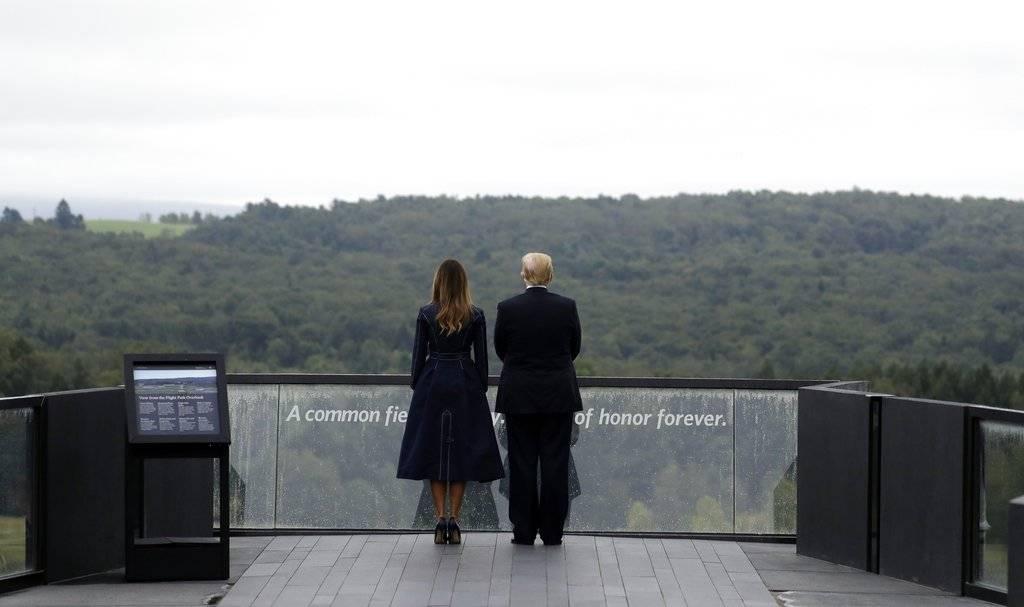 El presidente Donald Trump y la primera dama Melania Trump visitaron el monumento conmemorativo del vuelo 93 en Shanksville, Pensilvania Foto: AP