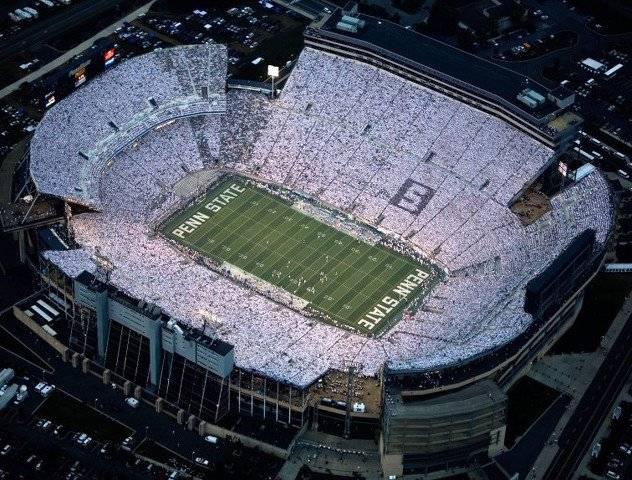 Ubicación: State College PA, EU Capacidad: 106,600 Equipo: Penn State Nittany Lions Football Cortesía