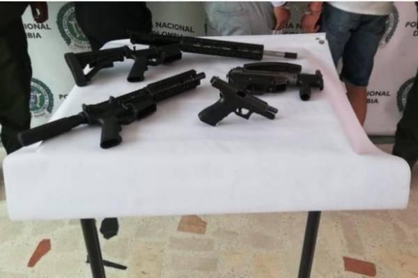 Encuentran caleta de armas de largo alcance en un jardín infantil de Bogotá