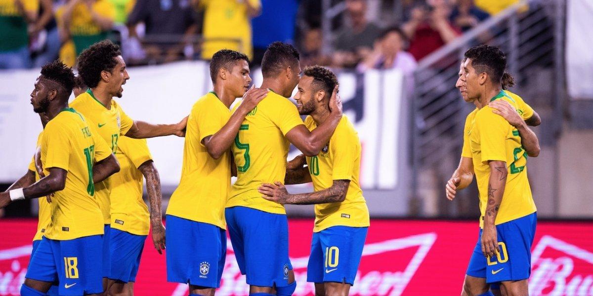 Brasil y sus figuras se foguean frente a El Salvador