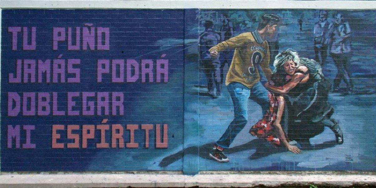 Alumnos del CCH Vallejo plasman en mural agresión en CU