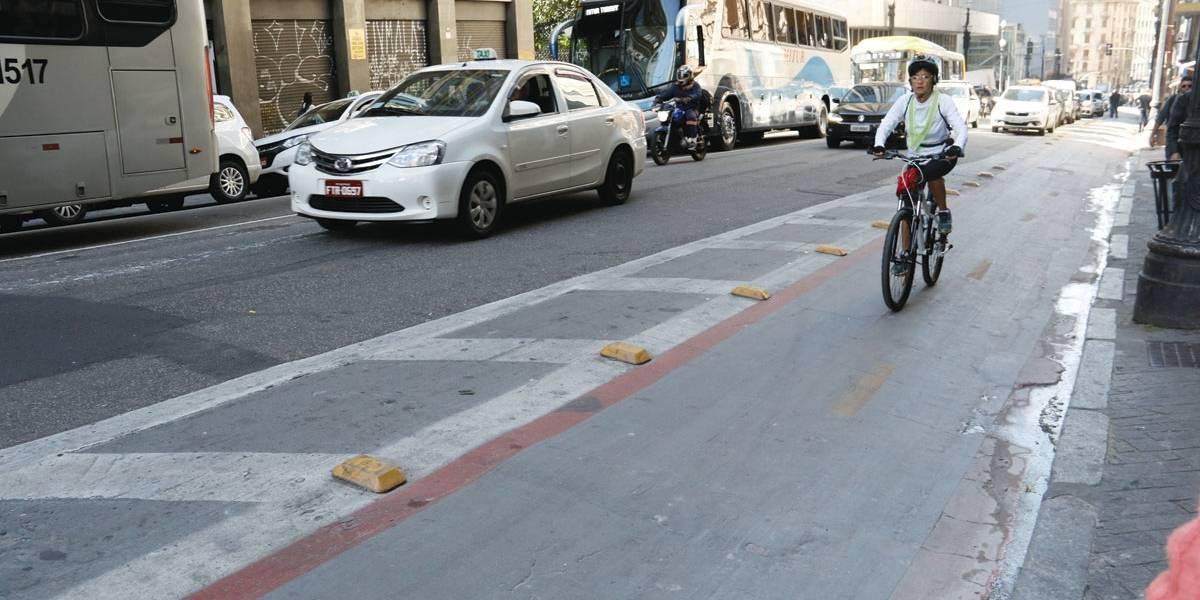 Para ciclistas, falta manutenção nas vias de SP