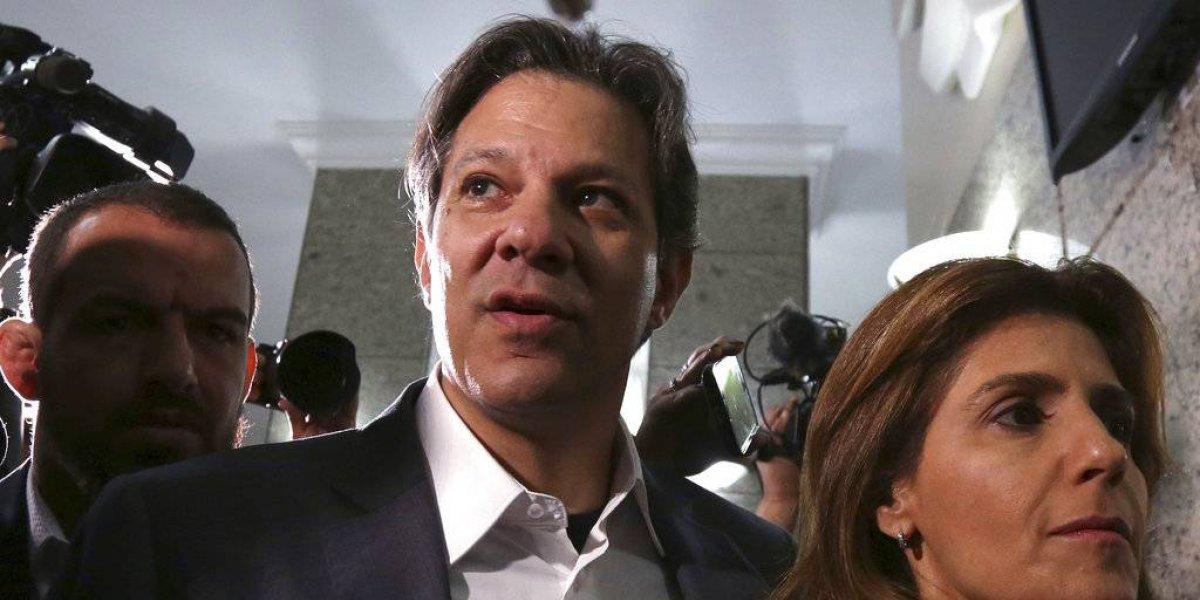 Haddad reemplaza a Lula como candidato presidencial del PT en Brasil
