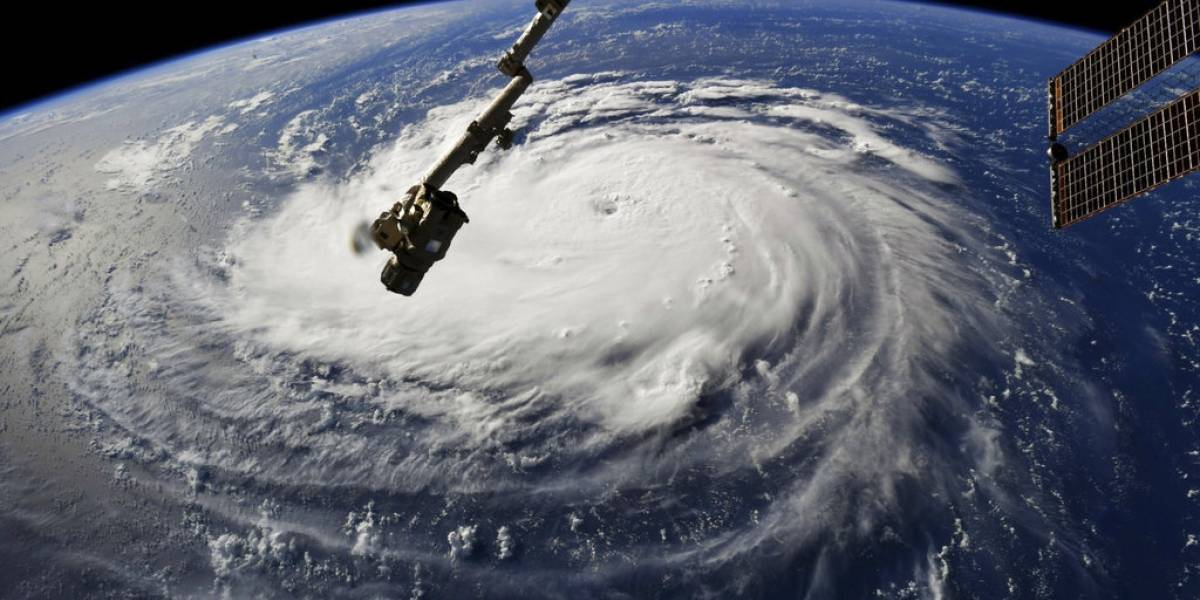 Evacuan a más de un millón de personas en EU por huracán Florence