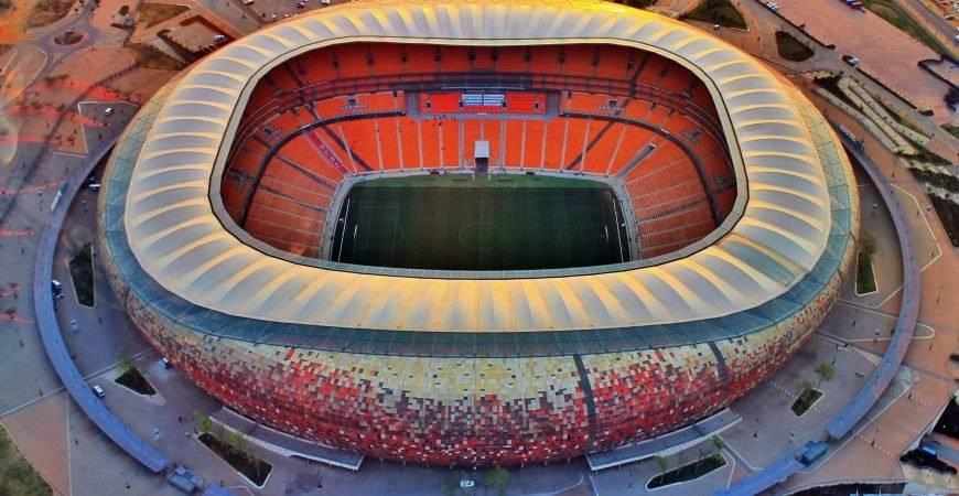 Ubicación: Johannesburg, Sudáfrica Capacidad: 94,700 Equipo: Selección Nacional de Sudáfrica Cortesía