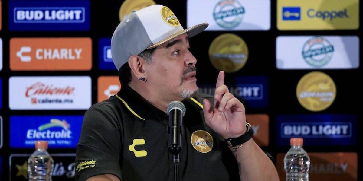 ¿Por qué Diego Armando Maradona utiliza dos relojes?