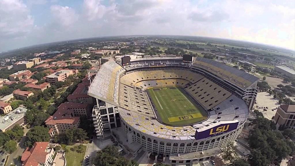 Ubicación: Tuscaloosa, Alabama, EU Capacidad: 101,800 Equipo: Alabama Crimson Tide Football Cortesía