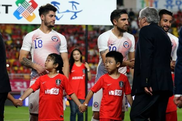 Ángelo Sagal y Diego Valdés han jugado todos los partidos de la era Reinaldo Rueda en la Roja / Foto: Carlos Parra-ANFP