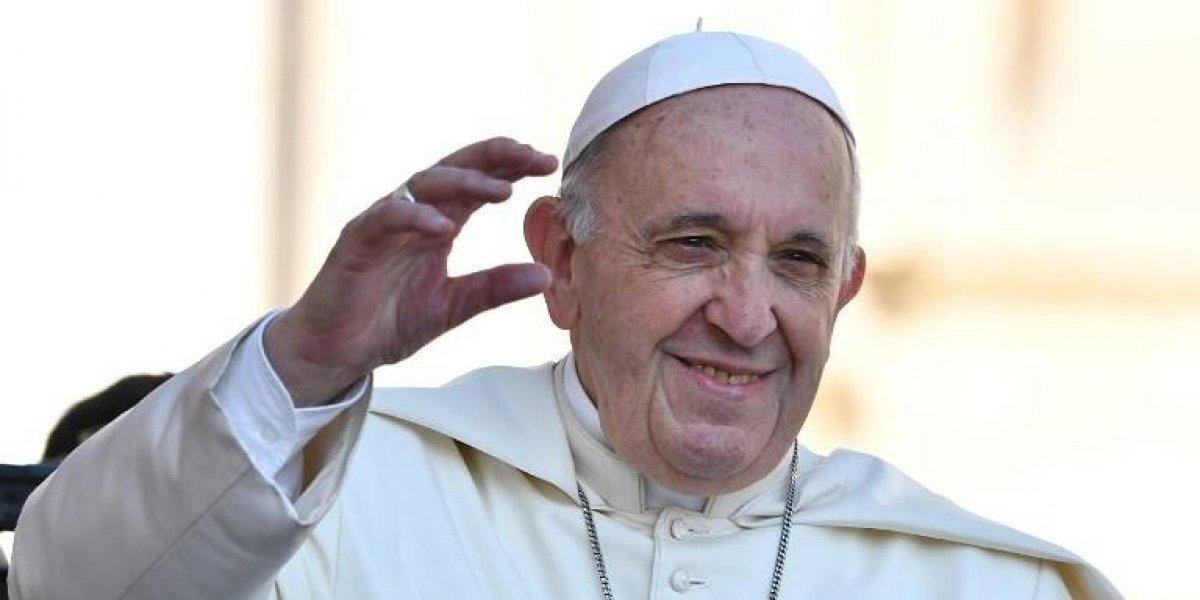 """El Papa insta a los obispos venezolanos a ayudar """"al pueblo que sufre"""""""