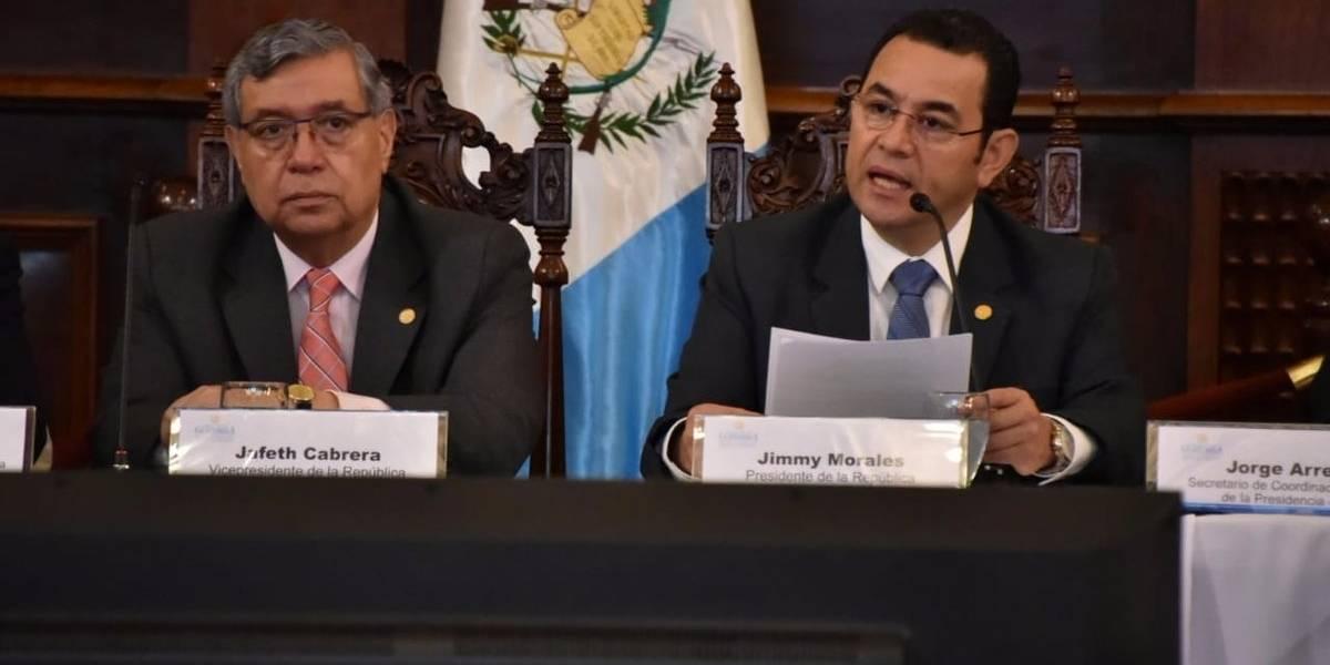 Presidente pide a guatemaltecos reafirmar valores patrios y defender la soberanía del país