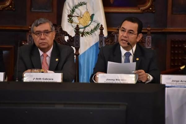 presidente Jimmy Morales y vicepresidente Jafeth Cabrera en reunión del Conadur
