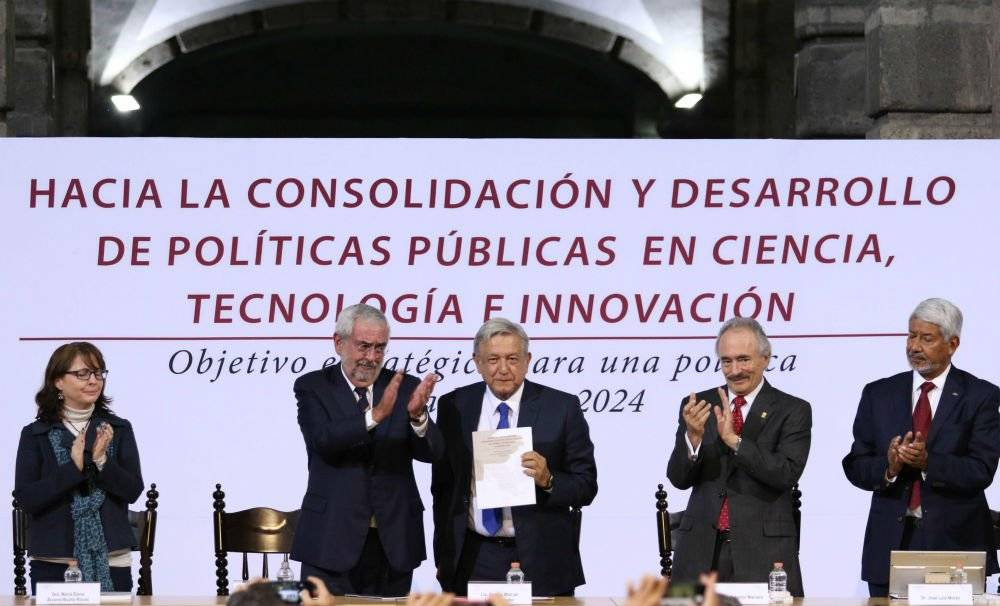 El rector de la UNAM y Andrés Manuel López Obrador Foto: Cuartoscuro