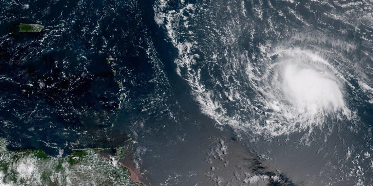 Emiten vigilancia de huracán para tres islas en el Caribe