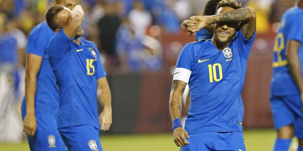 Brasil goleia El Salvador e internautas questionam amistoso