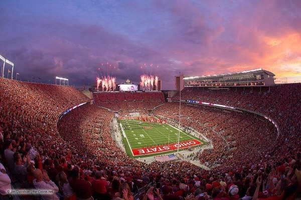 Ubicación: Columbus, Ohio, EU Capacidad: 104,900 Equipo: Ohio State Buckeyes Football Cortesía