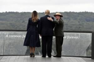 Donald y Melania Trump visitan la Torre de las Voces, en Pensilvania
