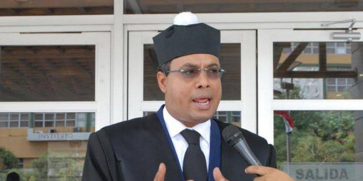 Abogado interpone acción de inconstitucionalidad contra ley de partidos