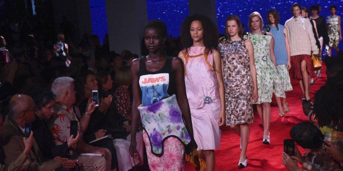 """Raf Simons presenta desfile de Calvin Klein inspirado en """"Jaws"""""""