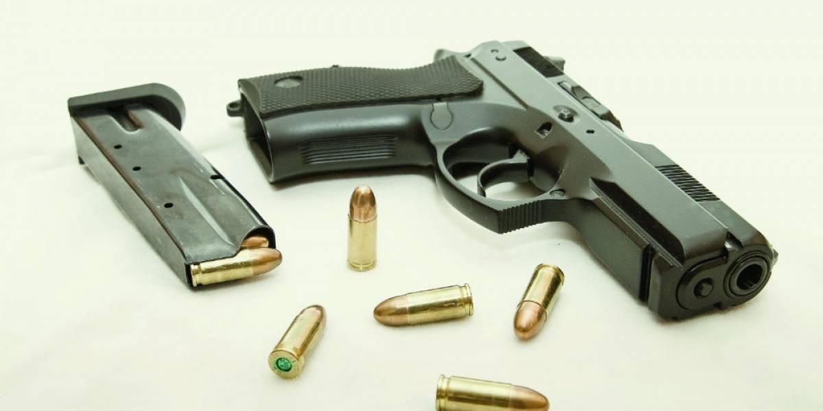 Mercado negro e Internet proveen a los hogares de armas
