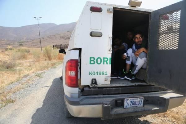 Inmigrantes detenidos por la Patrulla Fronteriza