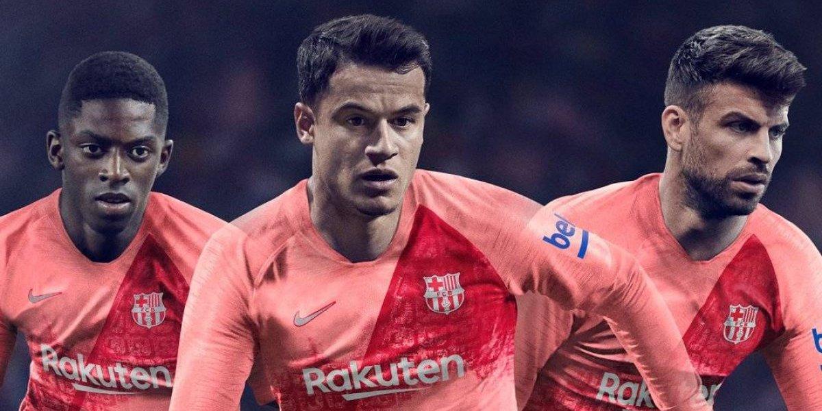 Rojo con rosado e inspirada en la ciudad: La sorprendente nueva camiseta del Barcelona de Vidal