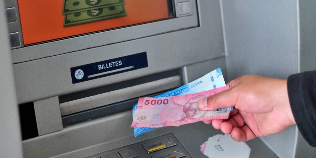 No se quede sin efectivo: bancos llaman a planificarse para Fiestas Patrias