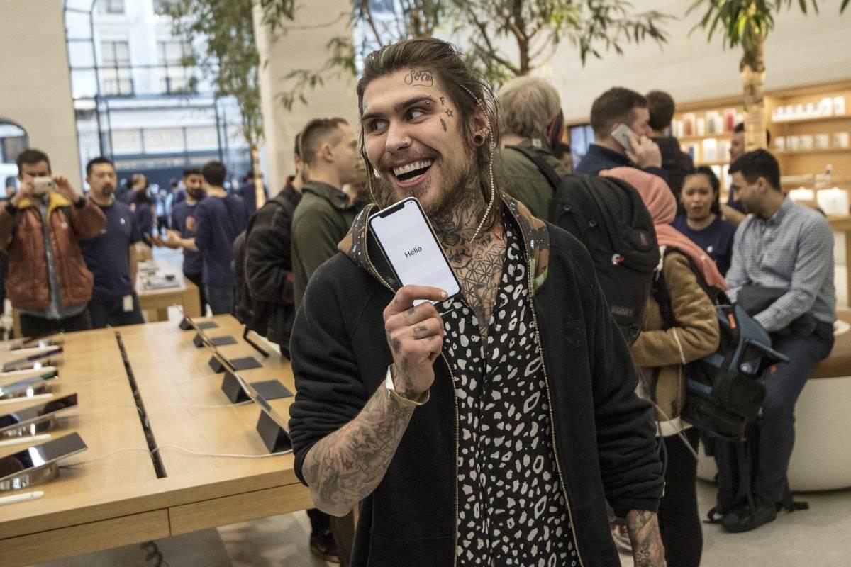 El iPhone X también contará con tecnología de detección facial, sin botón de inicio, cámara 3D y pantalla de borde a borde. Foto: Getty Images