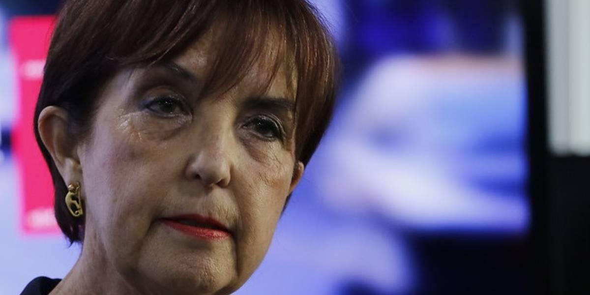 Ministra de Transportes habla sobre el apoyo a mensajes pro dictadura en Twitter
