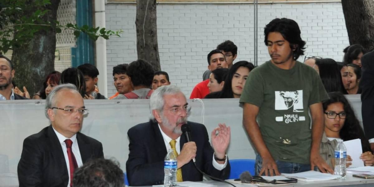 Enrique Graue firma pliego petitorio del CCH Azcapotzalco