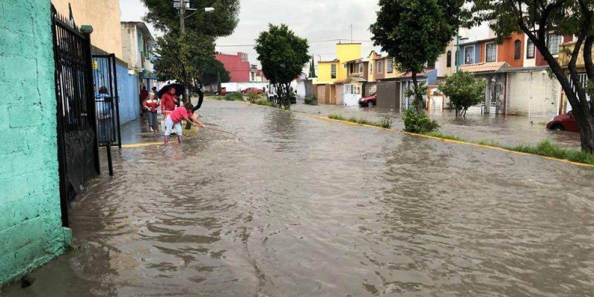 Lluvia azota a Cuautitlán Izcalli; varias colonias quedan bajo el agua