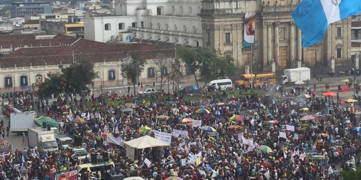 Codeca marcha para exigir renuncia del Presidente y renovación del mandato de CICIG