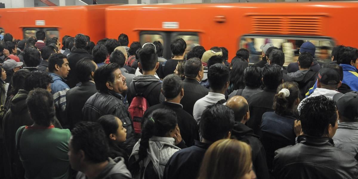 Primer tren de Metro armado en Chile ya circula en la Línea 2