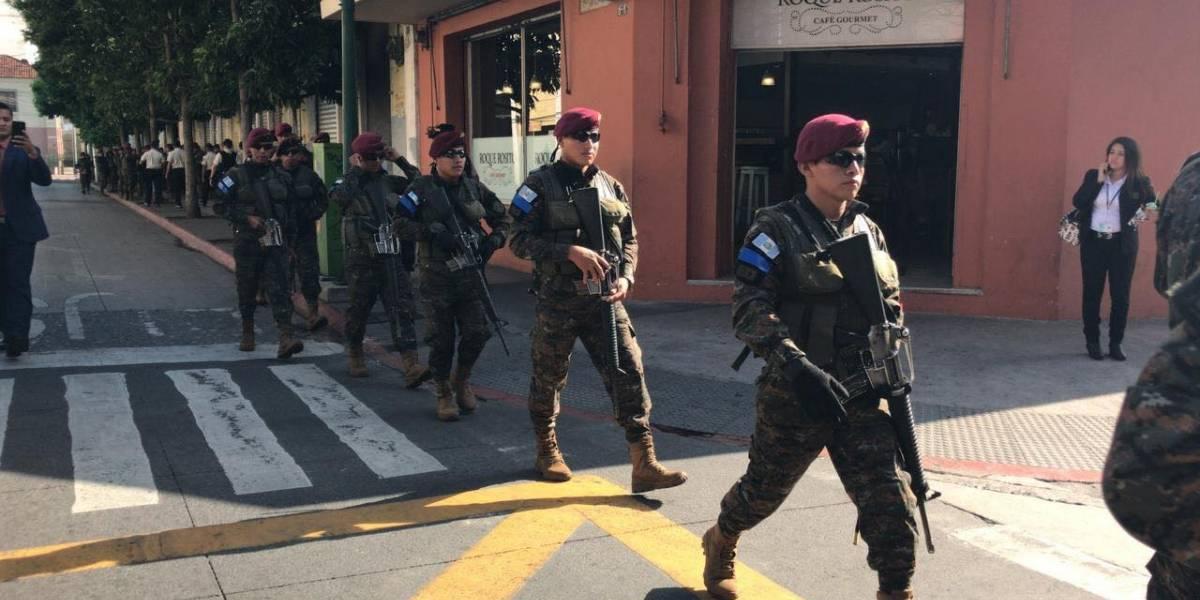 Jefe de la SAAS explica presencia de militares en el perímetro del Congreso