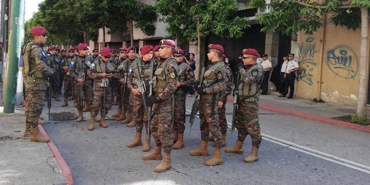 Rechazo, críticas y declinaciones por fuerte presencia militar en Congreso