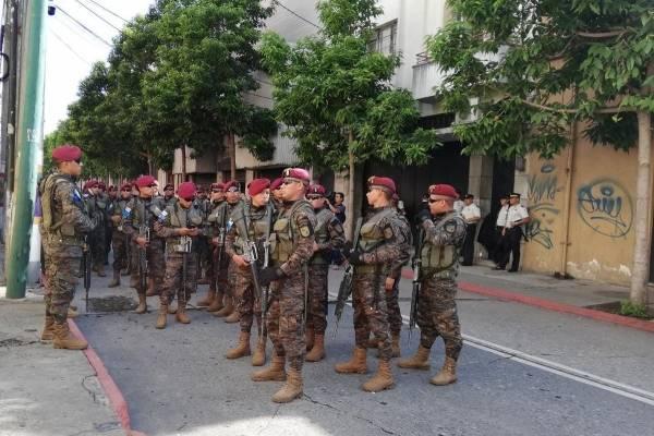 presencia de militares en el Congreso