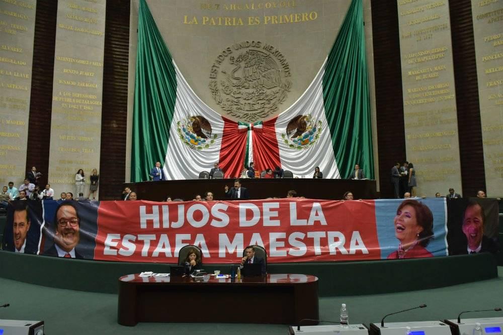Diputados se manifiestan en contra e la Estafa Maestra Foto: Cuartoscuro