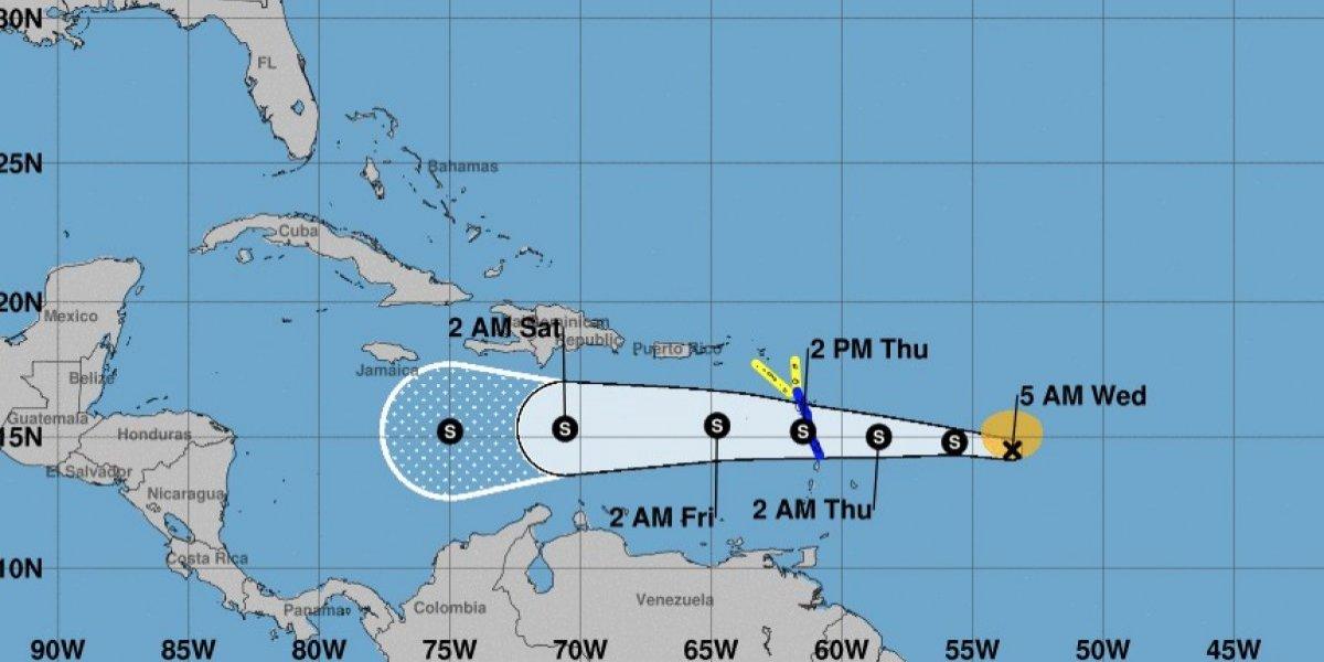 Isaac pierde fuerza y se aleja más de Puerto Rico