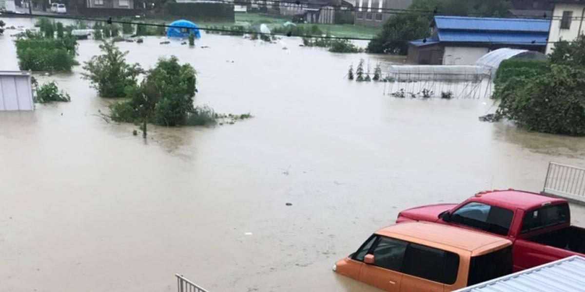 O brasileiro que perdeu a casa em enchente no Japão e há dois meses dorme em uma escola