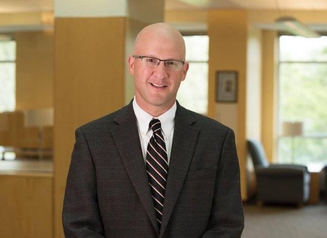 Alexander Karn Director del Programa de Estudios de Paz y Conflicto Colgate University, NY