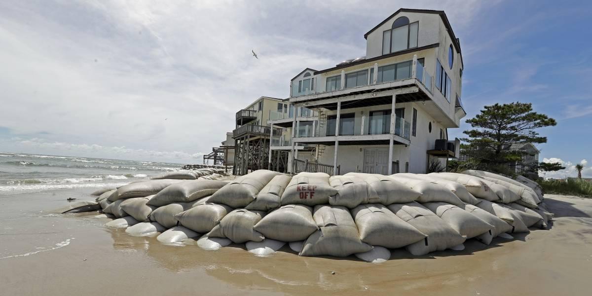 """""""Si no evacuan van a estar por su cuenta"""": qué hacen los que se quedan a esperar al huracán Florence"""