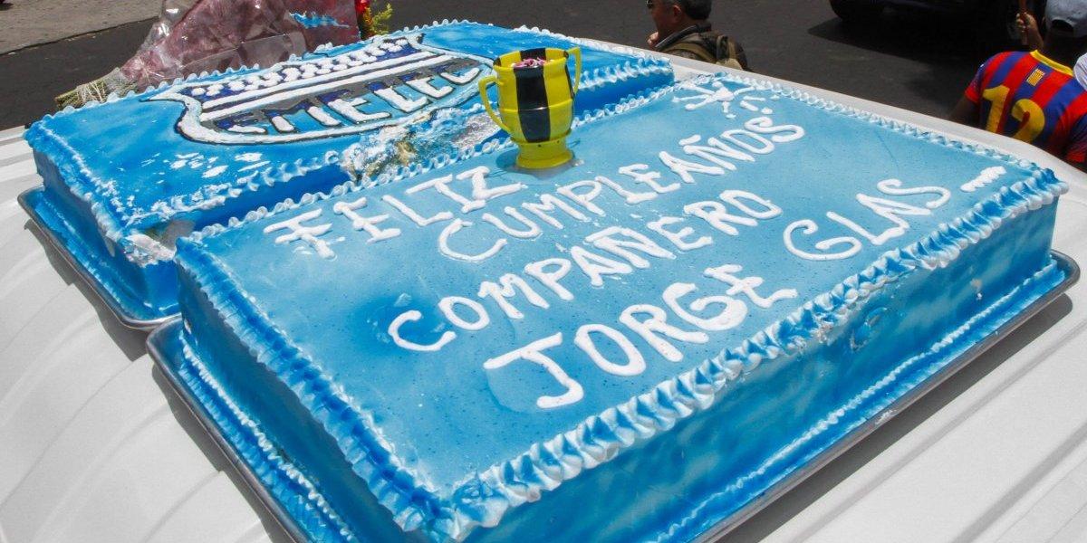 El pastel que le hicieron sus simpatizantes a Jorge Glas por su cumpleaños