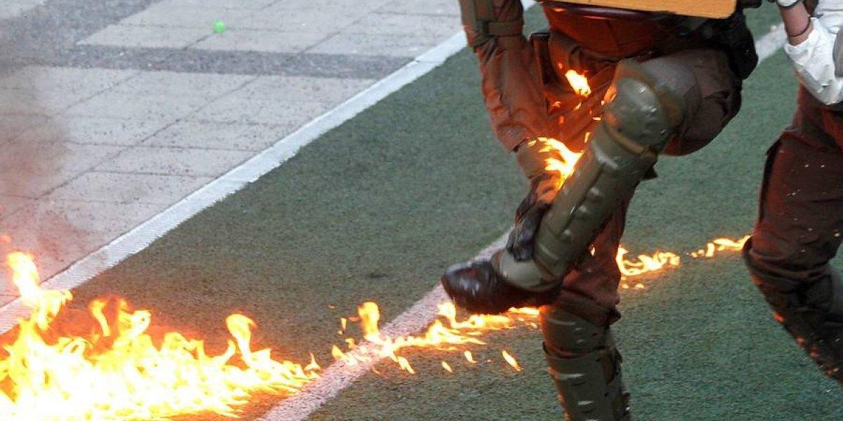 """""""Me interpuse para que no quemaran a un estudiante empapado en combustible"""": la versión del carabinero lesionado en Liceo de Aplicación"""
