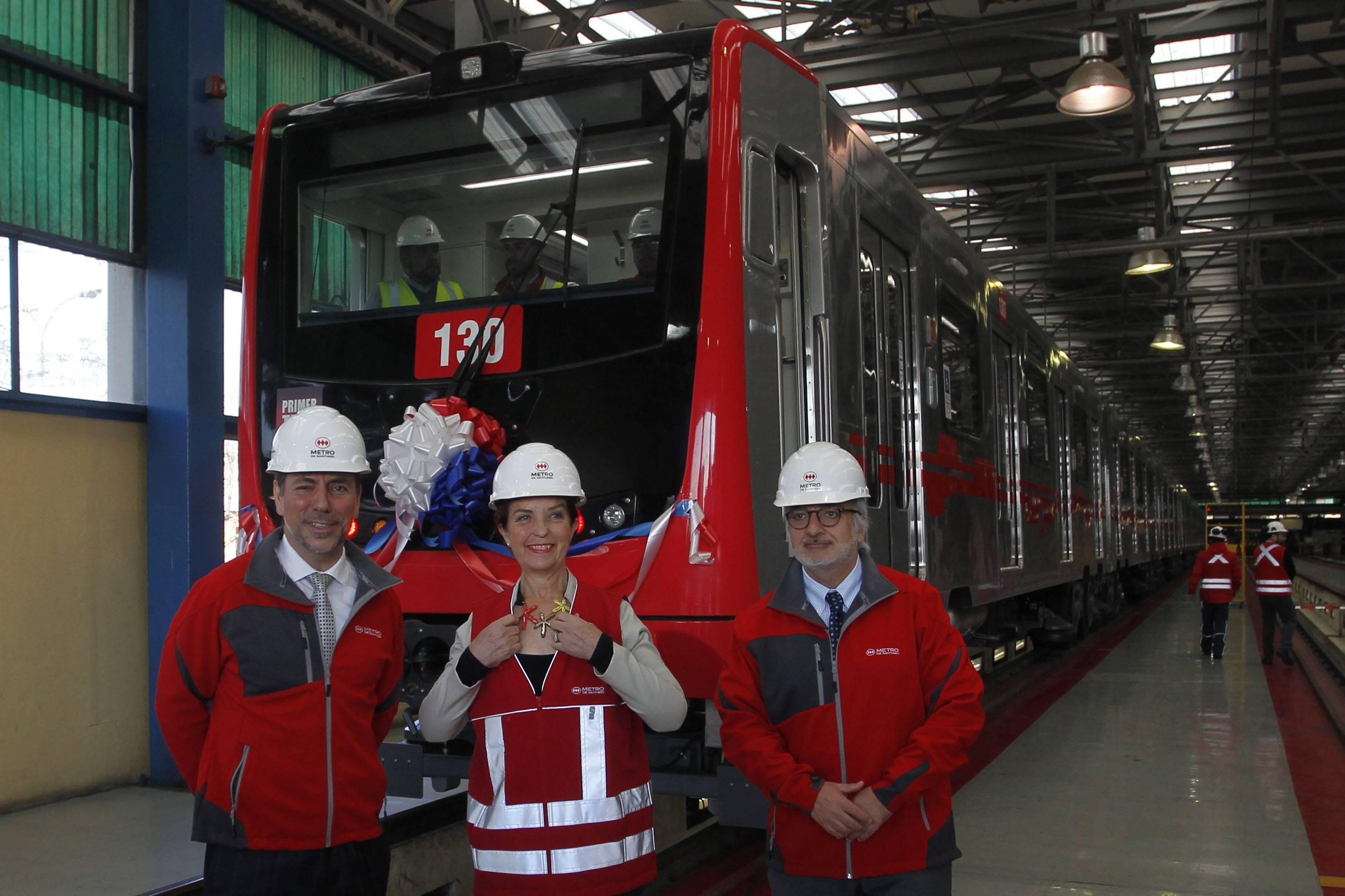 En la Línea 2 de Metro debutó el primer tren armado completamente en Chile