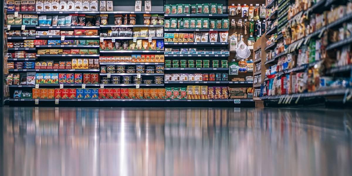 Justiça manda supermercado indenizar mulher que tomou choque no freezer