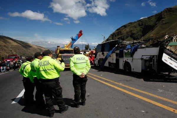 """Revelan fotos de ruta del """"narcobus"""" que se accidentó en Papallacta, Ecuador"""