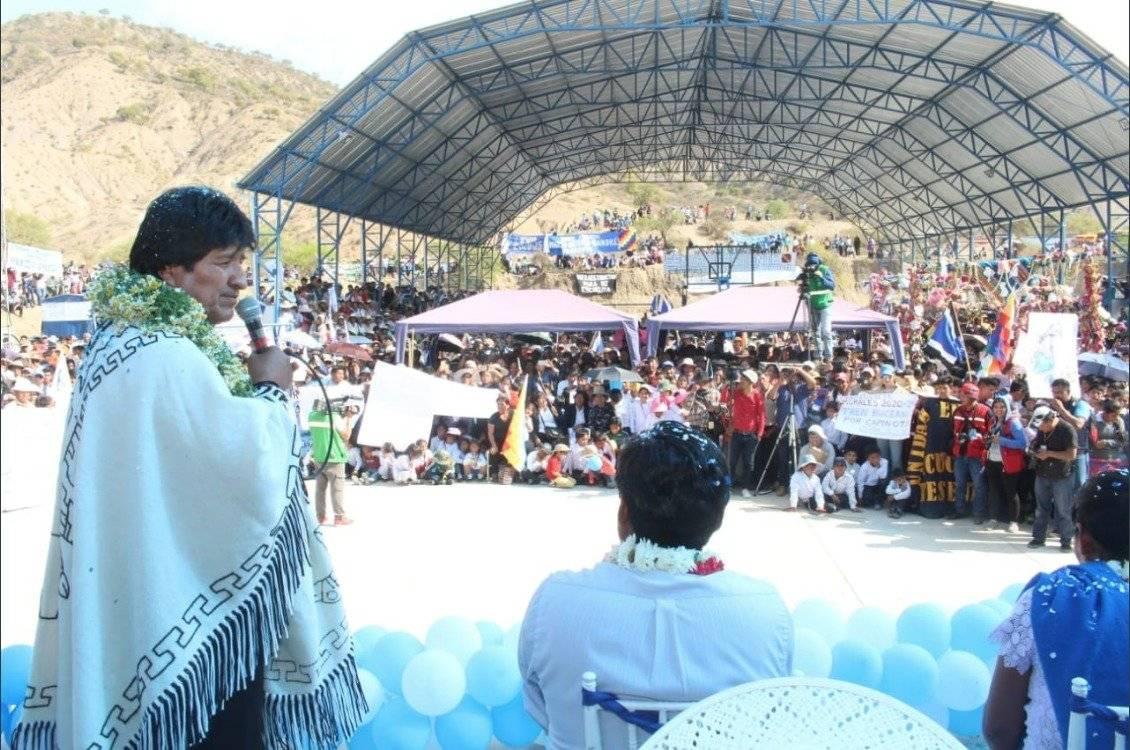 Evo Morales dedica una escuela a Los Kjarkas Twitter