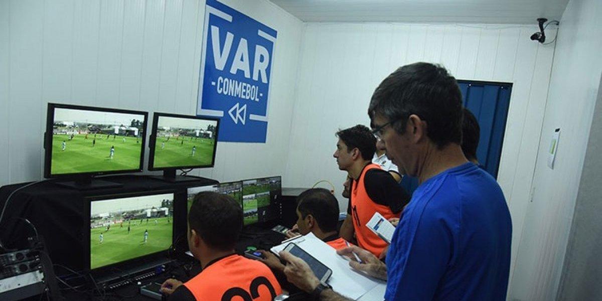 La novedosa implementación del VAR que realizará Colo Colo en el duelo ante Palmeiras